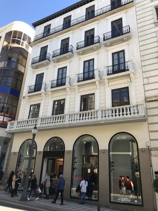 edificio de Zara en Granada