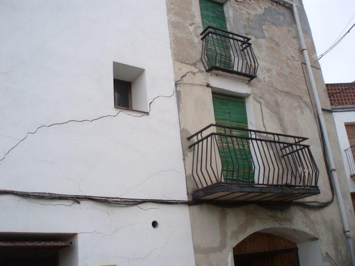 fisuras y grietas estructurales en edificios
