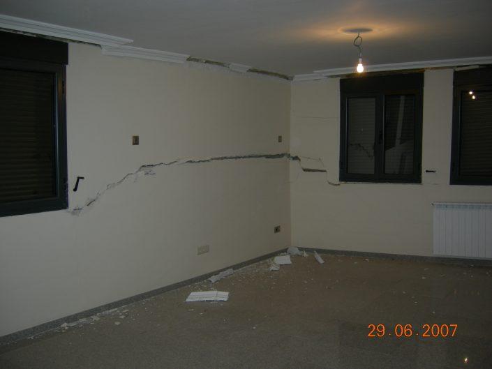 grietas estructurales en paredes de viviendas