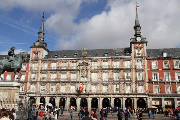 Recalce del edificio histórico La Casa de la Panadería en la Plaza Mayor de Madrid